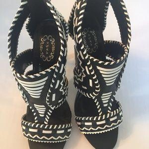 N.Y.L.A. Black & White Sassy Heels Size 8 1/2